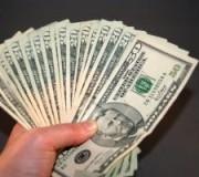 money-in-hand-1035690-m